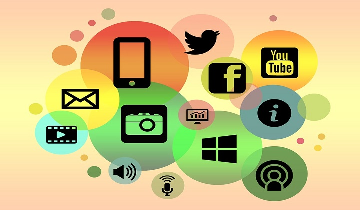 call-centers-are-becoming-social-media-hubs